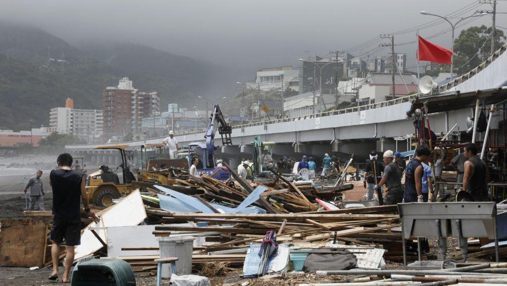 Potężny tajfun uderzył w Japonię. 1,5 mln ewakuowanych