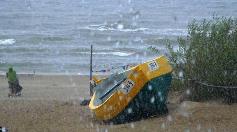 Silny sztorm na Bałtyku. IMGW wydało ostrzeżenie