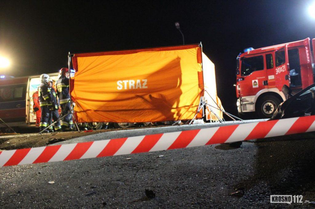 Tragiczny wypadek na Podkarpaciu. Nie żyją dwie osoby