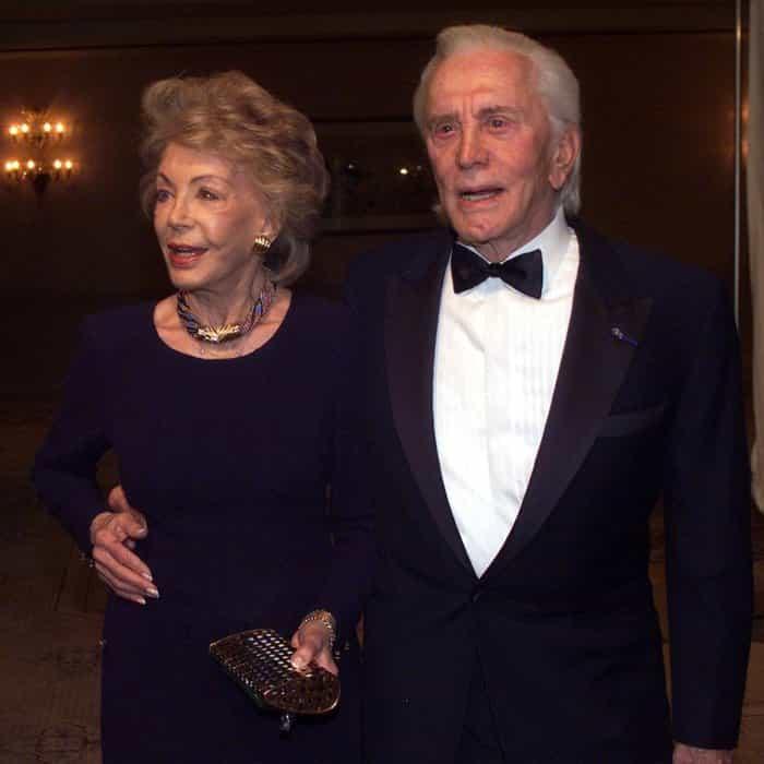 101-letni Kirk Douglas i 99-letnia Anne Buydens nadal są nierotłączni. Nawet po 64 latach małżeństwa