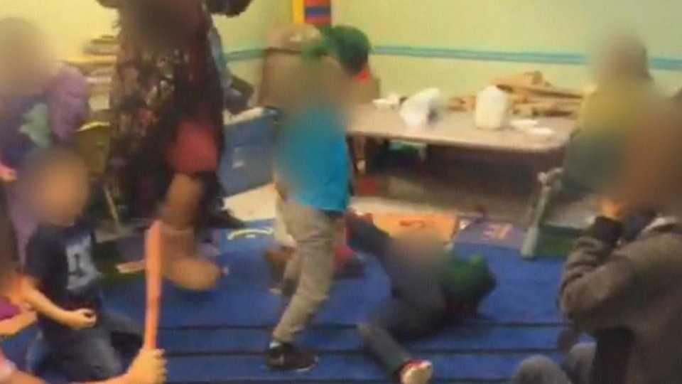 Przedszkolanki namówiły dzieci do pobicia 4-latka. Tak się tłumaczą