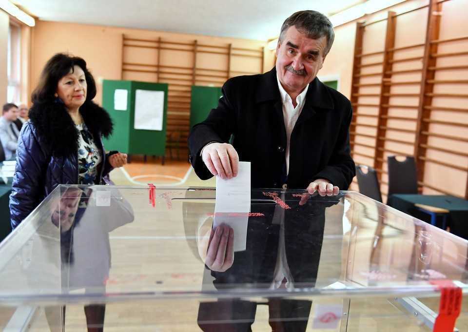 Politycy głosują w II turze wyborów samorządowych