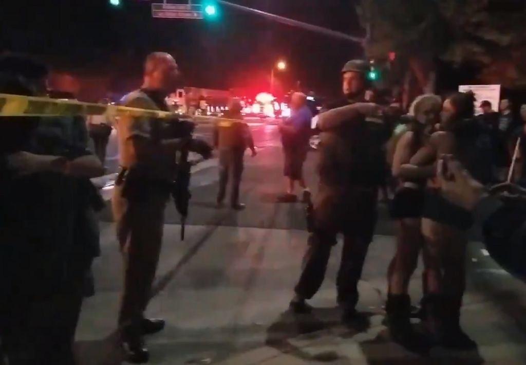 Strzelanina w Kalifornii. Napastnik wszedł do baru pełnego studentów. Jest wiele ofiar