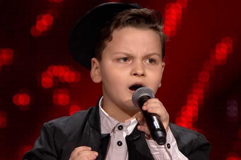"""""""The Voice Kids"""": Paweł Szymański w hicie Whitney Houston. Faworyt do zwycięstwa?"""