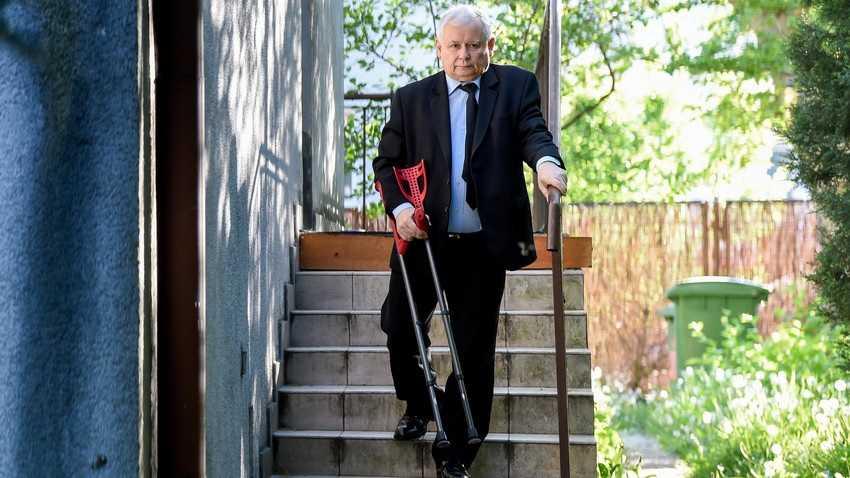 Co z operacją Kaczyńskiego? Prezes podjął decyzję