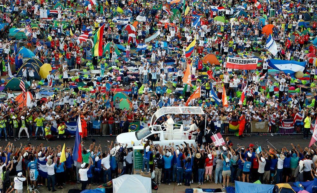 700 tys. osób na koniec Światowych Dni Młodzieży. Papież Franciszek: Wasza gra toczy się dziś