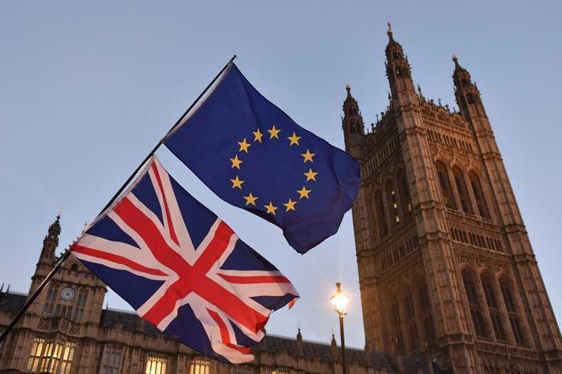 Sondaż: Społeczeństwo podzielone politycznie w sprawie brexitu