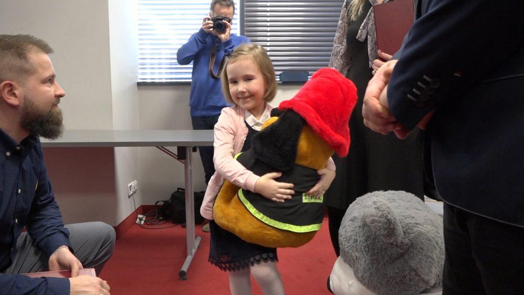 Lubuskie: 7-latka uratowała mamę, dostała pluszaka
