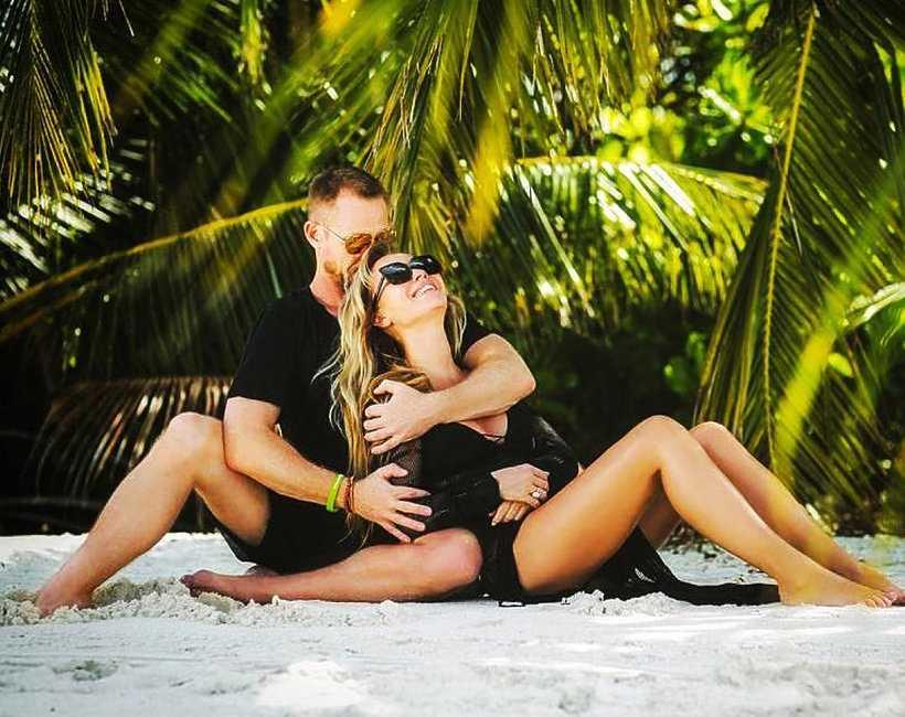"""Joanna Przetakiewicz: """"Przytulenie jest czasami więcej warte niż drogi prezent"""""""