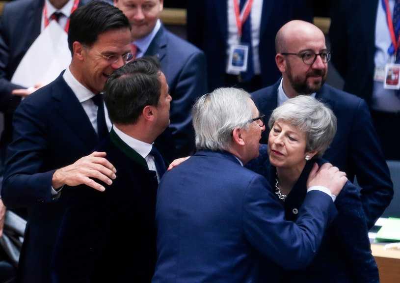 UE27 przygotowuje deklarację z warunkową zgodą na przedłużenie brexitu