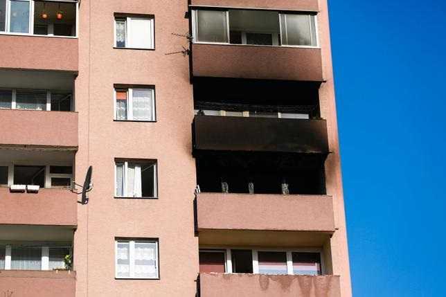 Kraków. 18-letnia Sandra wyskoczyła z okna, by się ratować. Wstrząsające relacje sąsiadów