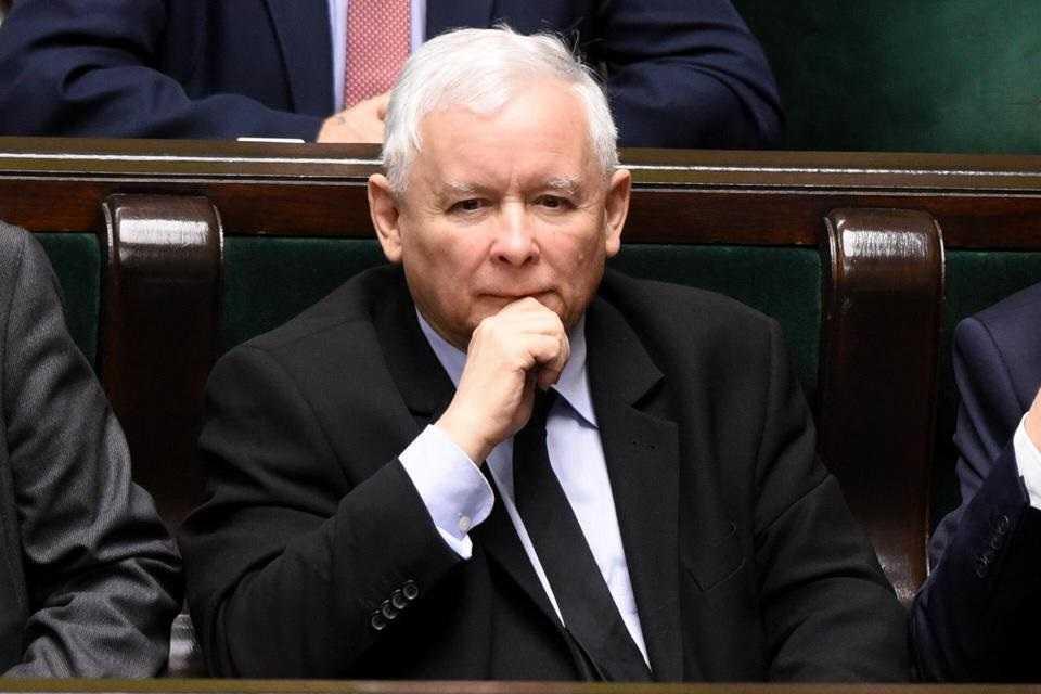 Mocne słowa Biedronia o Kaczyńskim. Przesadził