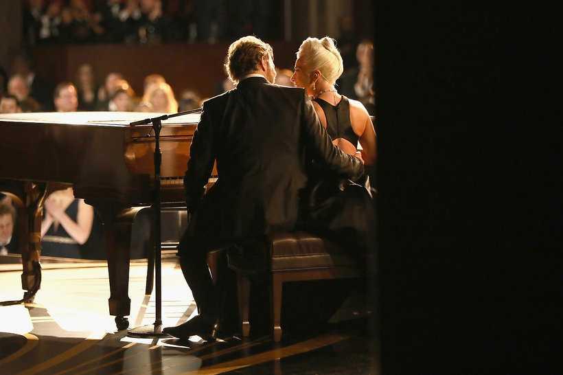 To nie koniec plotek o romansie... Lady GaGa i Bradley Cooper planują wielki powrót!