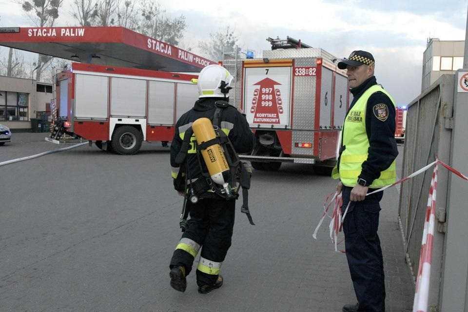 Pożar ogromnej hali magazynowej we Wrocławiu
