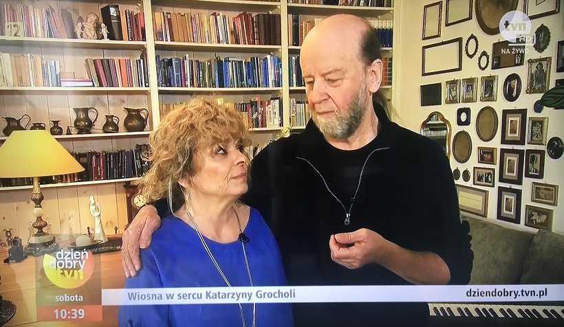 Katarzyna Grochola od 9. miesięcy jest... mężatką! Wiemy, kim jest jej ukochany