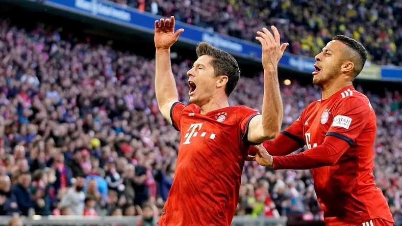 """Niemcy: Bayern rozbił rywali w hicie, dwa gole """"Lewego"""""""