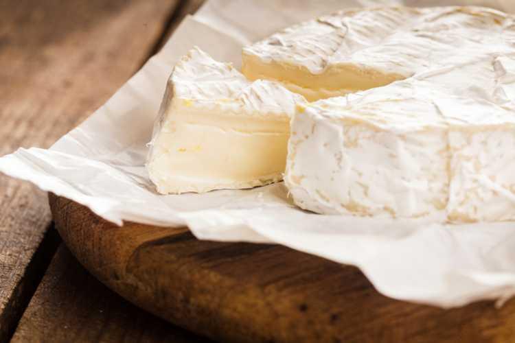 GIS wycofuje ze sprzedaży popularne sery. Mogą być groźne dla zdrowia