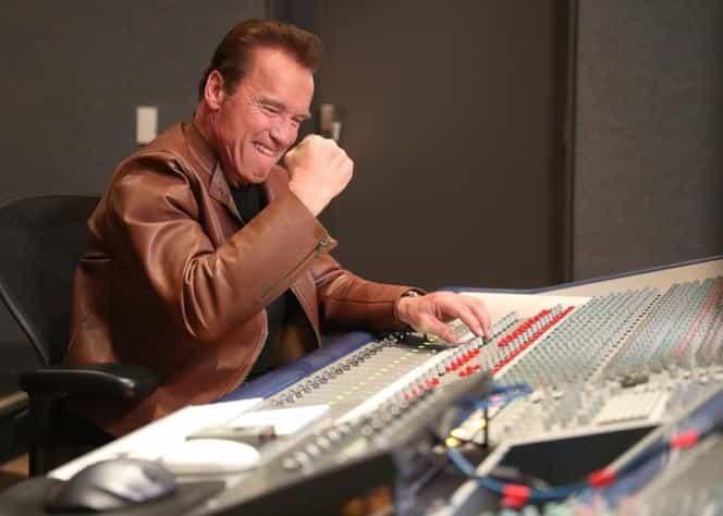 Arnold Schwarzenegger śpiewa! Piosenka zmotywuje każdego