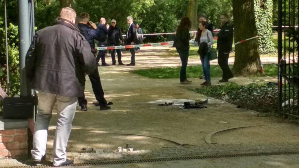 Mężczyzna podpalił się pod Kancelarią Premiera. Tuż obok zostawił list