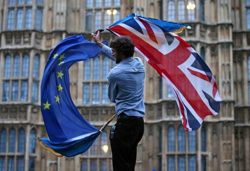 Członkowie Partii Konserwatywnej chcą brexitu za wszelką cenę