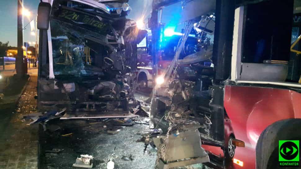 Bydgoszcz: 12 osób rannych w zderzeniu dwóch autobusów