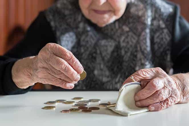 PiS podniesie wiek emerytalny i zlikwiduje 500 plus? Unia przedstawiła Polsce plan