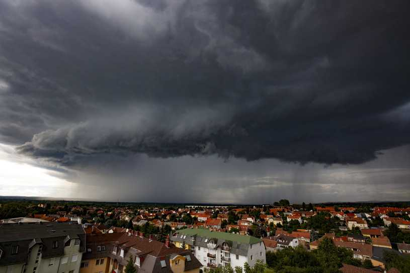 Nadchodzą burze z gradem. Prognoza pogody