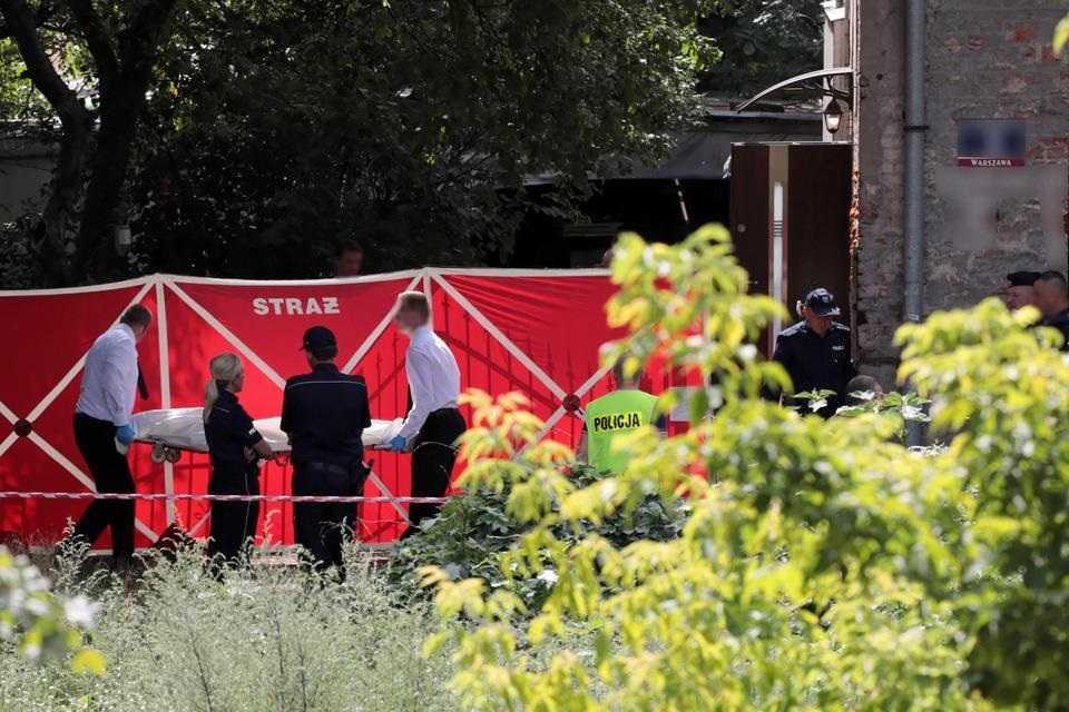 Przez sąsiedzki konflikt zastrzelił lokatorkę i ranił jej syna. 64-latek usłyszał zarzuty