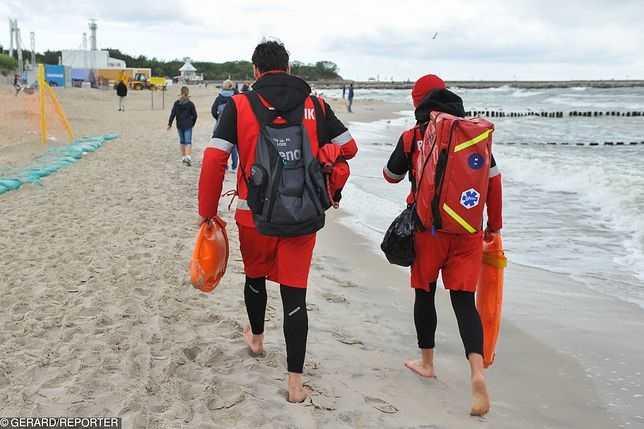 Rewal. Przerwano akcję ratunkową. Ciało 13-latka wyłowione z wody