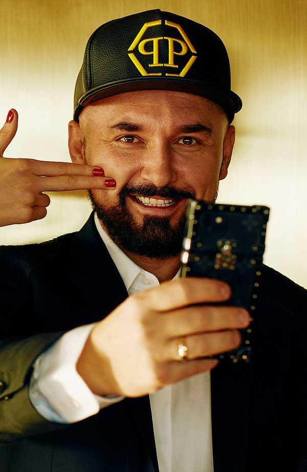 Patryk Vega w ostrych słowach zapowiada premierę filmu Polityka