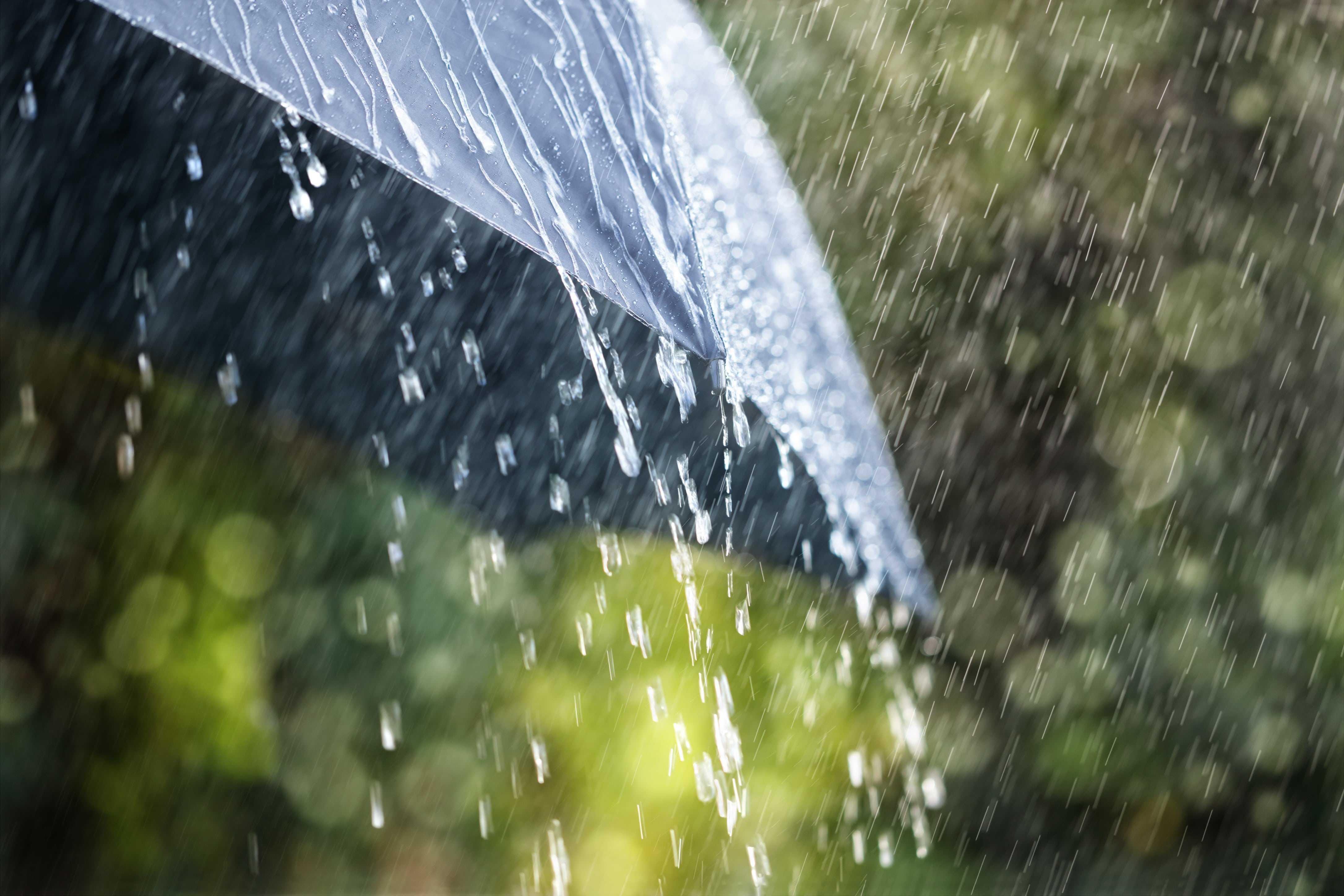 Pogoda na dziś - poniedziałek 5 lipca. IMGW ostrzega przed burzami z gradem i intensywnymi opadami