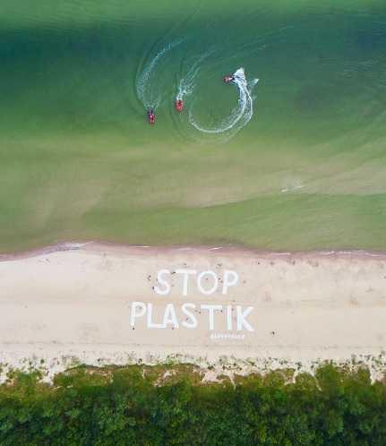 50-metrowy napis nagle pojawił się na polskiej plaży. To apel, który powinien przeczytać każdy Polak