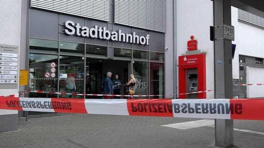 Bestialski atak na niemieckim dworcu. Nie żyje młoda matka
