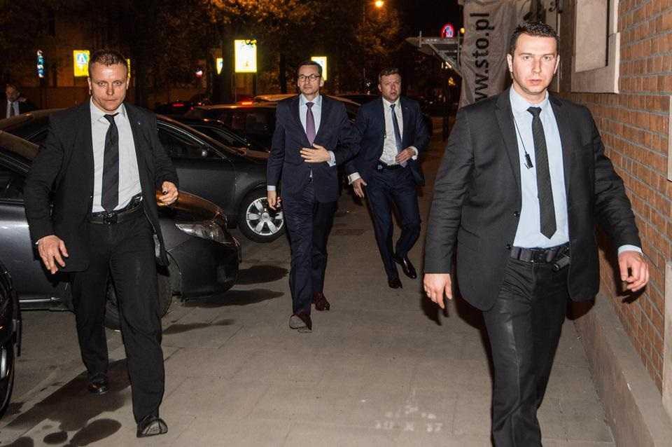 Loty premiera Morawieckiego. Na miesięcznice smoleńskie za pieniądze podatników