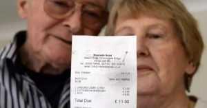 Starsza para udała się do restauracji. Kilka dni później odczytali na rachunku okropny dopisek