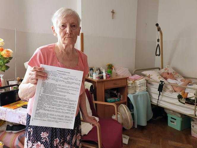 Syn okradł matkę i wyrzucił z mieszkania. Rodzinny horror 86-latki