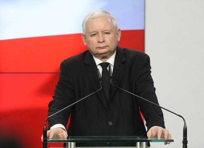 U Kaczyńskiego go POGONILI. Pojechał na Sycylię i narobił rabanu