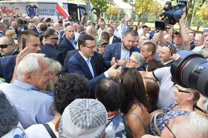 PiS-bus znowu w trasie. Pierwszy przystanek – Mazowsze. Premier ruszył w Polskę po zwycięstwo