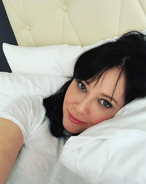 """Uwielbiana aktorka wygrała walkę z nowotworem! Teraz promuje nowy serial. Fani: """"Wyglądasz kwitnąco"""""""