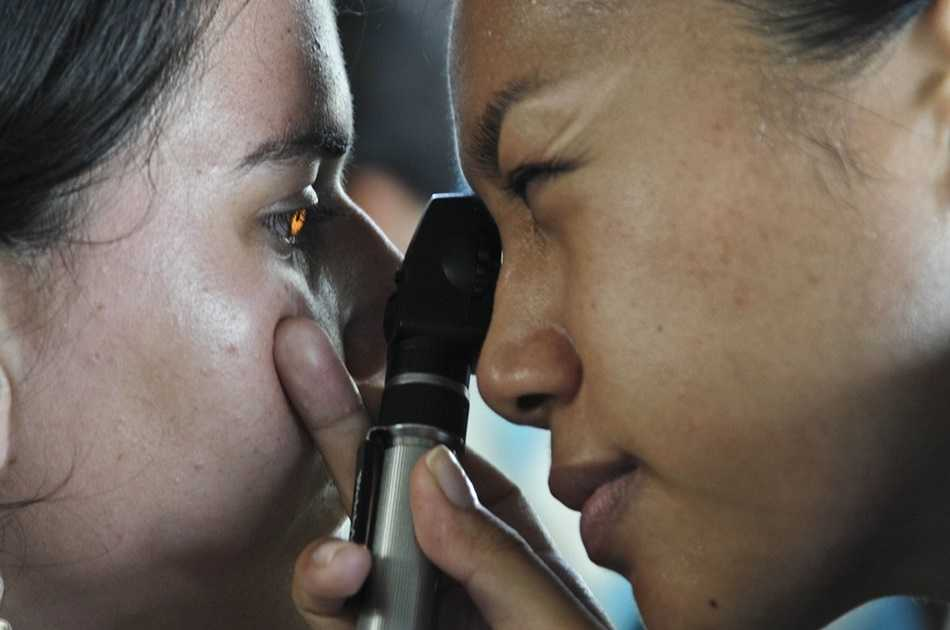 Nowotwór oka łatwo pomylić z innymi chorobami. Sprawdź jak wyglądają pierwsze objawy