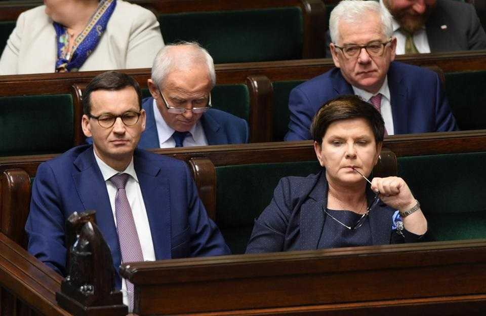 Szydło chce porównać swoje loty z Morawieckim