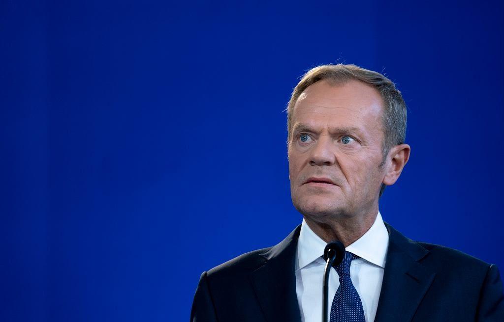 """Donald Tusk zabrał głos w sprawie Piebiaka. """"A tyle było krzyku, gdy mówiłem o współczesnych bolszewikach"""""""