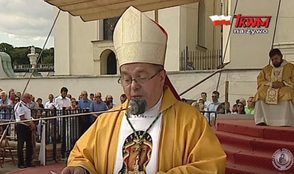 """Abp Pawłowski na Jasnej Górze o """"judaszowych pieniądzach"""". """"Wstydź się tych, co sprzedają Polskę"""""""