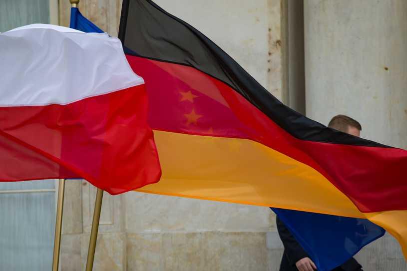Polacy za domaganiem się od Niemiec reparacji. Sondaż CBOS