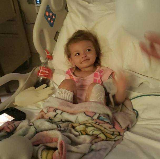 Babcia za karę włożyła nóżki 2-letniej wnuczki do wrzątku. Małej grozi amputacja stópek