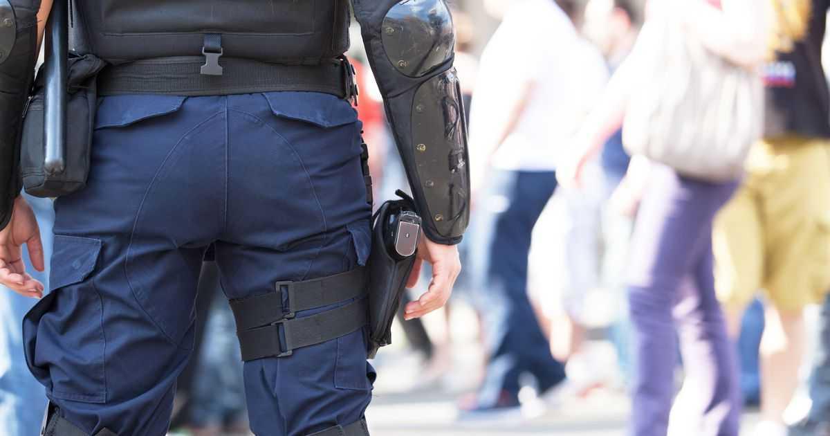 Warszawa: Atakował ludzi z pistoletem w dłoni. Usłyszał zarzuty usiłowania zabójstwa