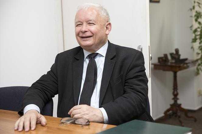 Co NAPRAWDĘ Polacy myślą, o obietnicach wyborczych? Kaczyński może się śmiać