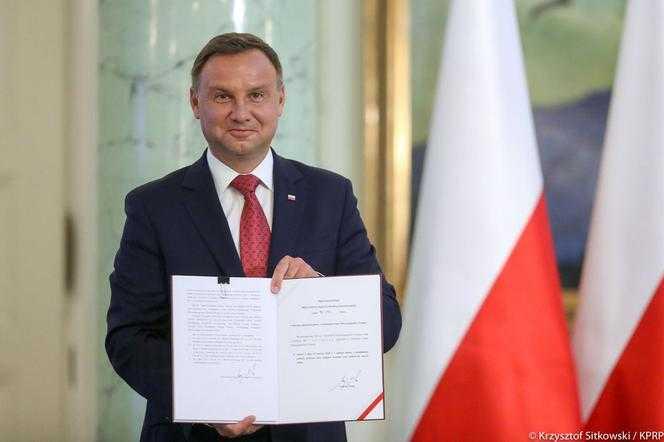 25 mln Polaków zapłaci niższy podatek PIT! Prezydent Duda podpisał ustawę