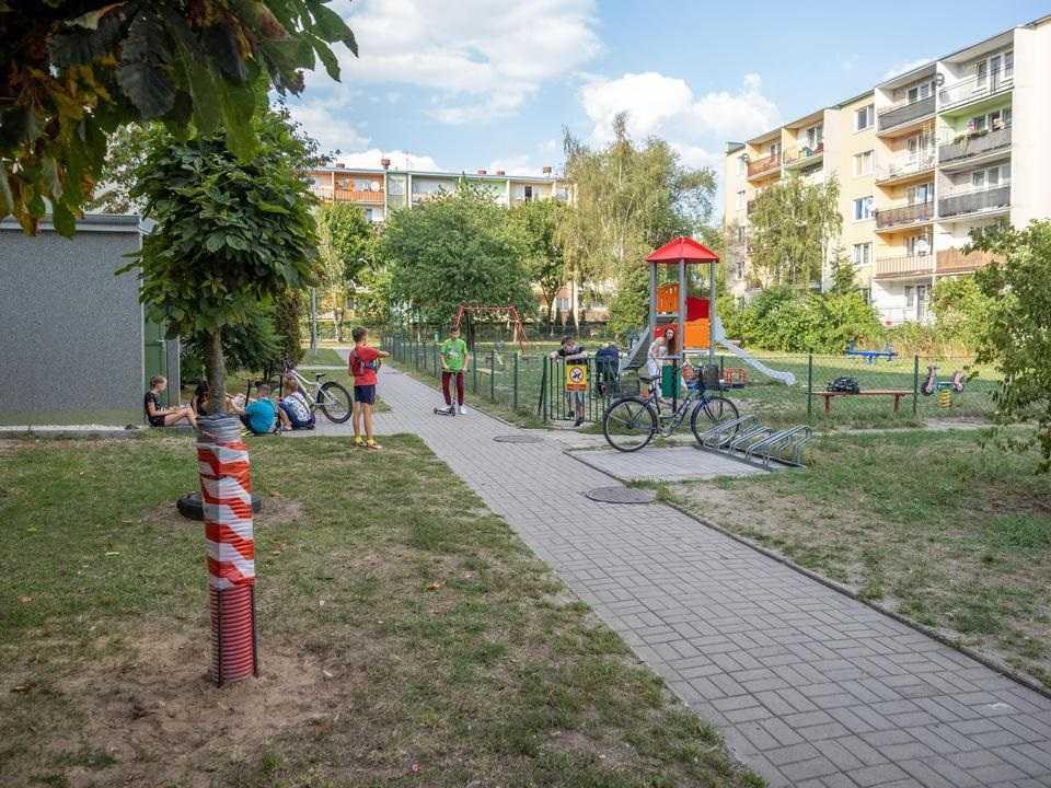 Latarnia runęła na dzieci w Tomaszowie Mazowieckim. Nowe fakty