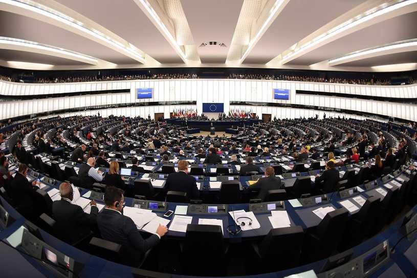 PE potępił karę śmierci za homoseksualizm. Część posłów PiS wstrzymała się od głosu